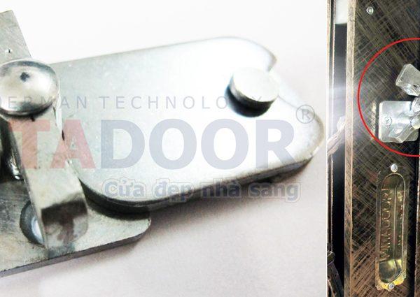 Khoá gài thông minh Mitadoor bên trong an toàn và tiện lợi
