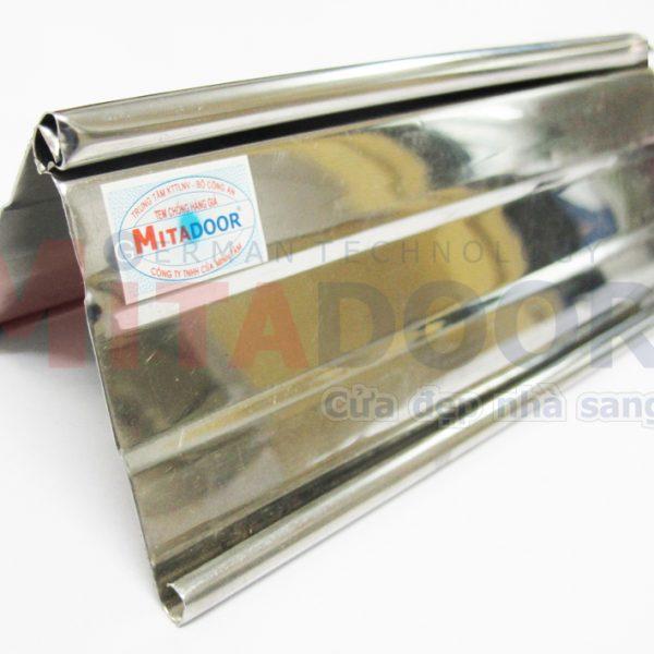 Lá cửa kéo Inox dày Mitadoor 0.3 mm