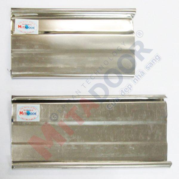Lá cửa kéo Inox Mitadoor dày 0.3 mm